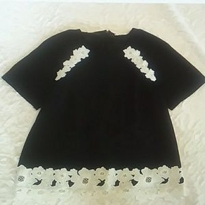 Kate Spade size 2 black white floral top blouse